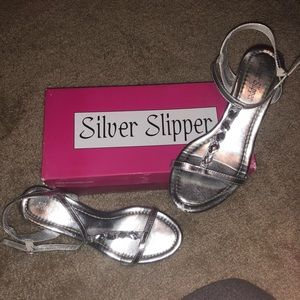 Silver Slipper Silver Low Heel Sandals with Jewels